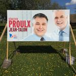 Sébastien Proulx a pris une photo de son examen annuel chez le docteur. #AssNat #PolQc http://t.co/NLlhFWK52J