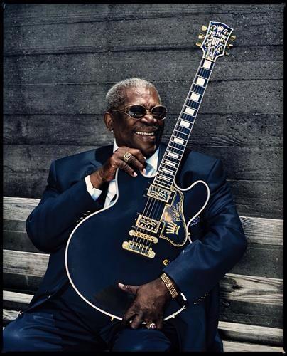 Día muy triste para todos los que amamos la música. Muere la leyenda #BBKing. Descanse en paz http://t.co/iUfoWA5Gfu
