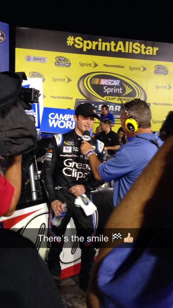 Congrats to @JRMotorsports @kaseykahne   And @TeamChevy on their 200th Silverado win http://t.co/cTdxxwJZfs
