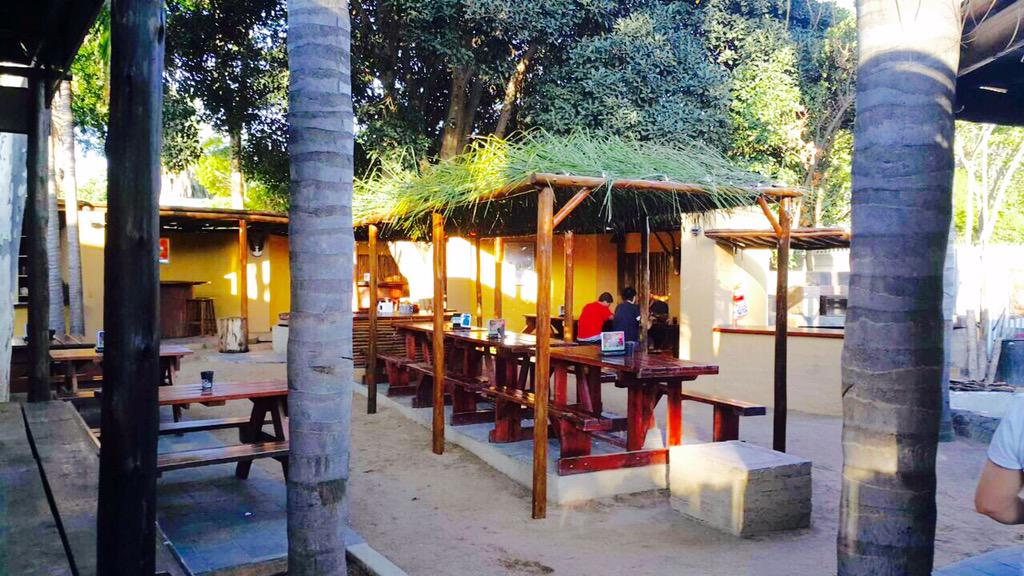 JAY (@Jay_du_Plessis): Vanaand van 20:00 af is ek by #DaGaBoys Pub&Grill in Polokwane vir n lekker show en kuier. Kom geniet n koue enetjie! http://t.co/fZWoqigvsZ