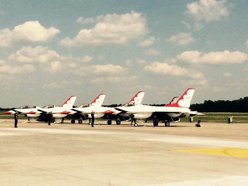 Awesome photo of the #thunderbirds @wingsoverwayne #WOW15 http://t.co/C0JDGp1EWs
