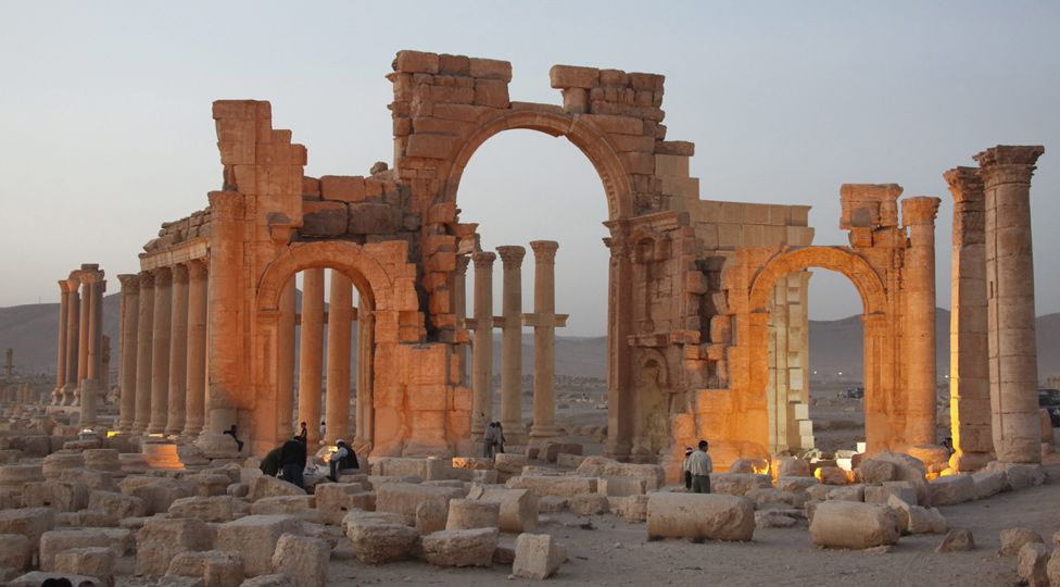 #archaeology #heritage: ISIS sets eyes on Syrian site of Palmyra http://t.co/XSHm0NedRY http://t.co/fdtKIamyYH