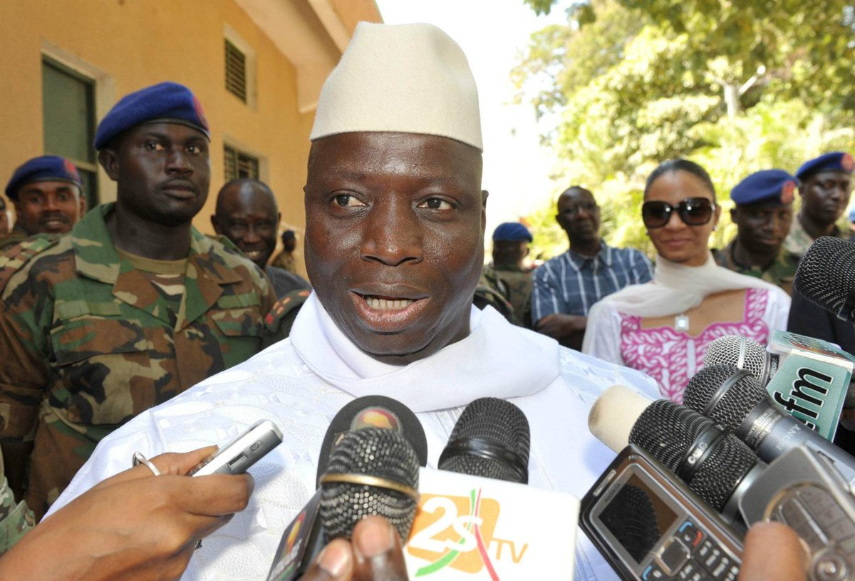 Presidente de Gambia amenaza con 'cortar la garganta a hombres que se casen con otros hombres' http://t.co/8gTW8dwiDq