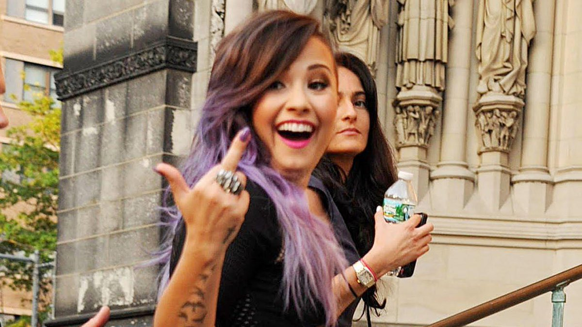 Demi was on her world tour when the Bad Blood video was being filmed so http://t.co/ISXsg6W2zV