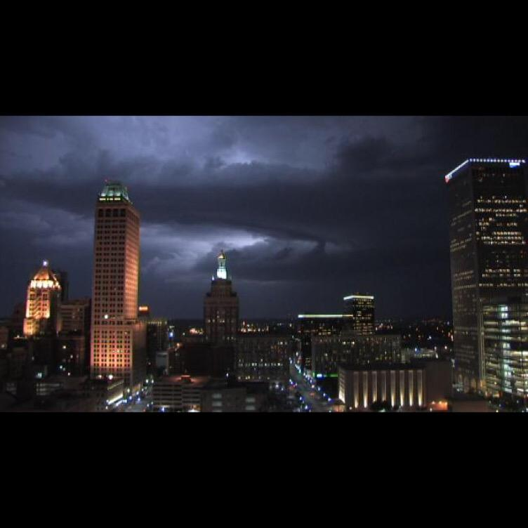 Alright #Fansons, this is a true welcoming to Tulsa! Be careful out there tonight! #tornadowatch