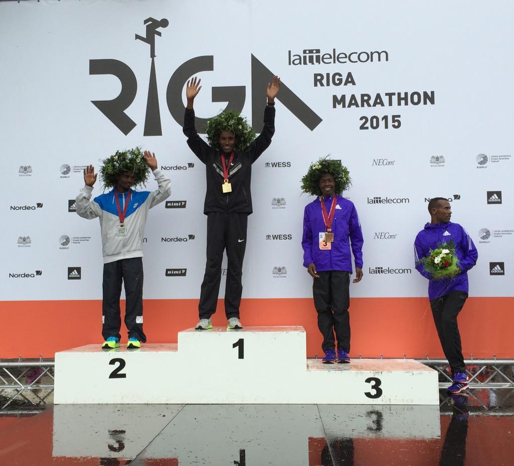 Starp @RigasMaratons uzvarētājiem atkal visi latvieši. Malači! http://t.co/BoUnjlB7bt
