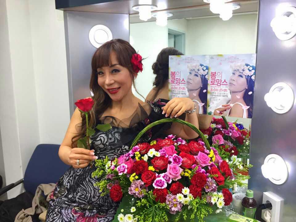 #양요섭 서포터즈 @support_ys 에서 보내준 장미와 카네이션으로 만든 예쁜 꽃바구니! 그들의 스타를 사랑하고 아끼는 열정과 애정을 듬뿍 담은 정성의 선물.. 참 기특하고 멋진 친구들이다! #ThankU http://t.co/EtsEHNxAZJ
