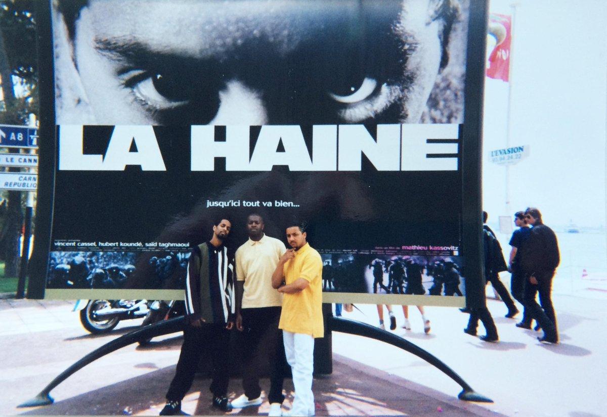 @Festival_Cannes 1995 sur la Croisette. Juste 20 ans. #LaHaine (cc @KERTRAOFFICIEL @Weedy978 ) #FestivalDeCannes http://t.co/Ha04DKMadZ