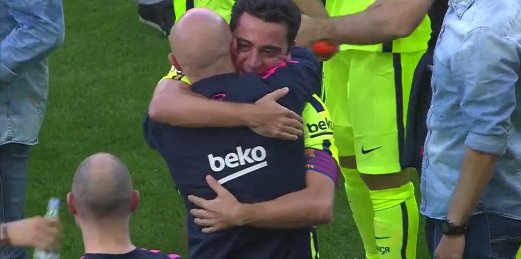 Xavi Hernandez, 8 Ligas #respect http://t.co/GpPfC5tNmb