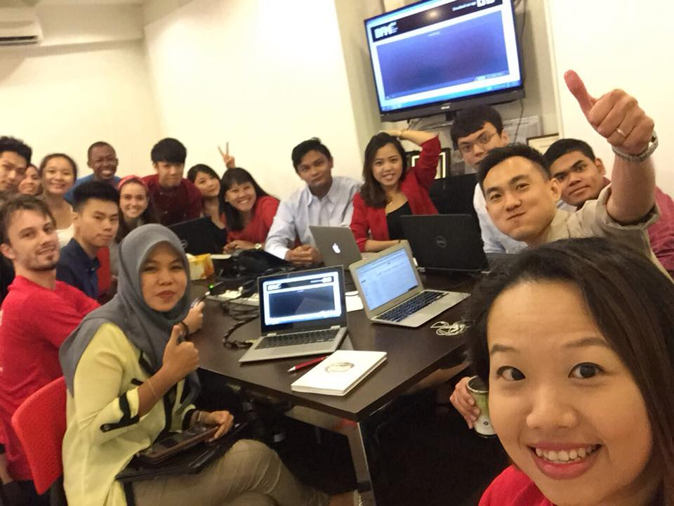 The whole team is ready to support our CEO live interview! #bfm899 #jefong #thebreakfastgrille #ipo http://t.co/bSnJEJDYSV