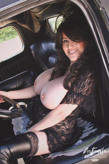 I had to travel back 75 years to do this amazing vintage set Cum & check it out http://t.co/KbkMFU5EsR