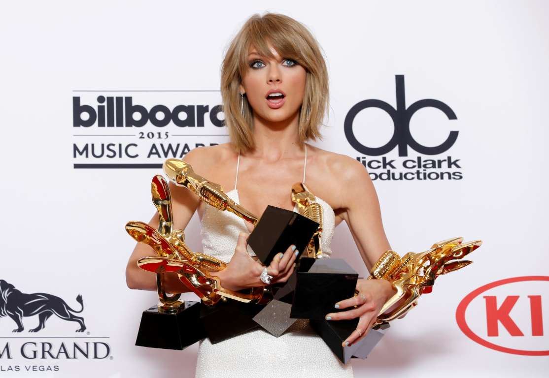@taylorswift13 won eight awards at the Billboards 2015! This and other reasons we love her:  http://t.co/iviTxQ2U11 http://t.co/Zoc2A2aJSU