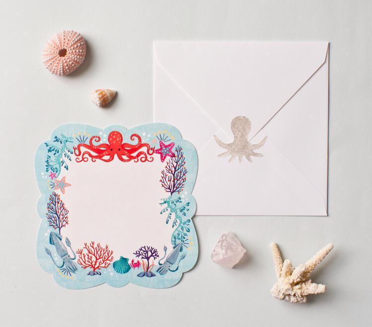 海のいきものカードを作りました。正方形の封筒と、きらきらシルバーのオクトパスステッカー付き