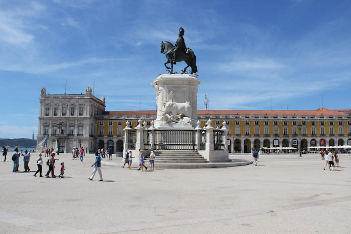 MT Listen to @garybembridge's Tips for Travellers to Lisbon, Portugal podcast.