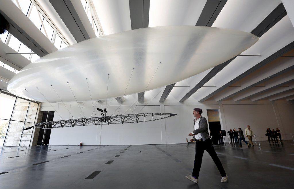 Chris Burden's final sculpture, now @LACMA, is a magnificent drone http://t.co/DHVRewh7Fj http://t.co/FWexHbzXQI