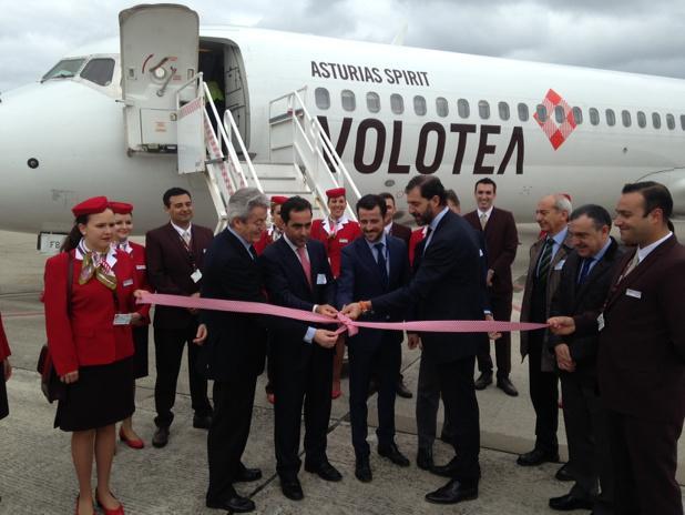 "Vuelo inaugural de @volotea Bienvenido ""Asturias Spirit"" http://t.co/koVgmCT7DB"