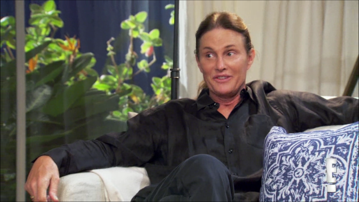 Bruce Jenner tells his family when he will live entirely as a woman: