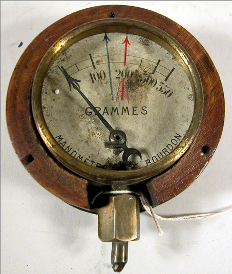 Fuel pressure gauge frm an aircraft flown by american wwi ace raoul fuel pressure gauge frm an aircraft flown by american wwi ace raoul lufbery at udvar thecheapjerseys Choice Image
