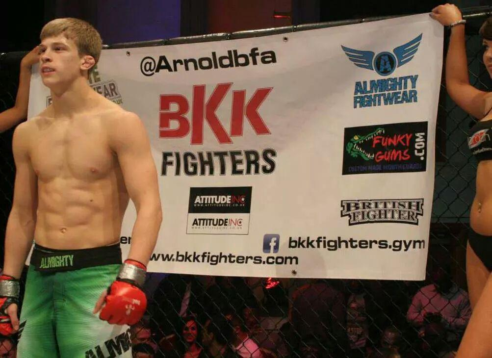 Tons of top Euro 145lbers ducking @Arnoldbfa . @seanshelby pls sign this man @UFC so he can get a fight! @danawhite http://t.co/47TPNYdTA0