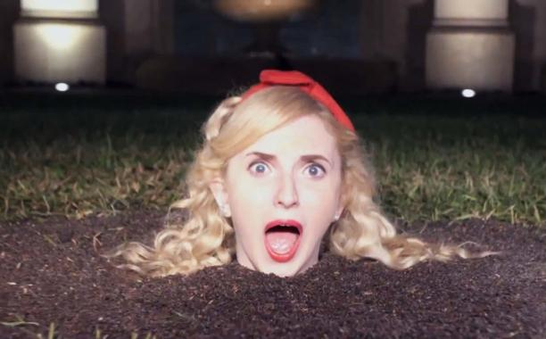 The full super-sized @ScreamQueens trailer is finally HERE: