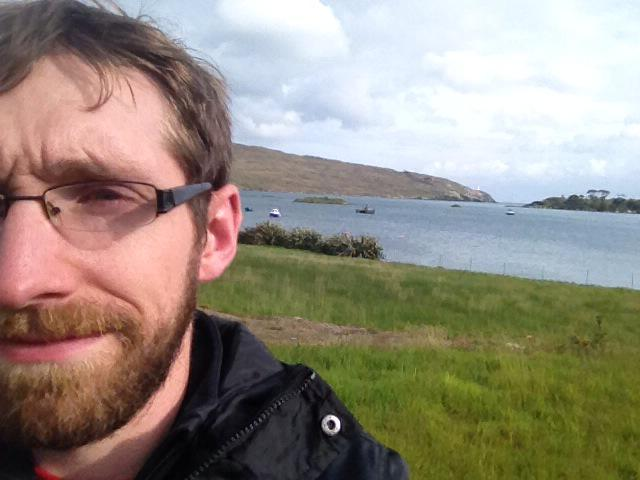 Today I fin my #MarRef canvassing in blustery Beara. I've been jealous of your canvas group selfies, so here's mine! http://t.co/hSsvrj2F4c