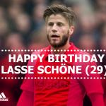 Happy birthday Lasse Schöne! De #Ajax-aanvaller is vandaag 29 jaar geworden! http://t.co/jUDBTTGUDE