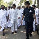 Congress Vice President Rahul Gandhi interaction with fishermen at Chavakkad, Thrissur, Kerala (1/4) http://t.co/GKnmgvFwhT