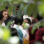 Congress Vice President Rahul Gandhi interaction with fishermen at Chavakkad, Thrissur, Kerala (3/4) http://t.co/WPp03DWMJW