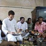 Congress Vice President Rahul Gandhi interaction with fishermen at Chavakkad, Thrissur, Kerala (4/4) http://t.co/KERMv7wKN3