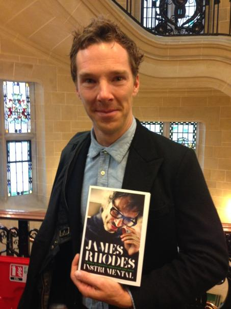 A v happy Benedict Cumberbatch at the Supreme Court after its decision to lift the injunction on @JRhodesPianist book http://t.co/j6Ctyj6Of6