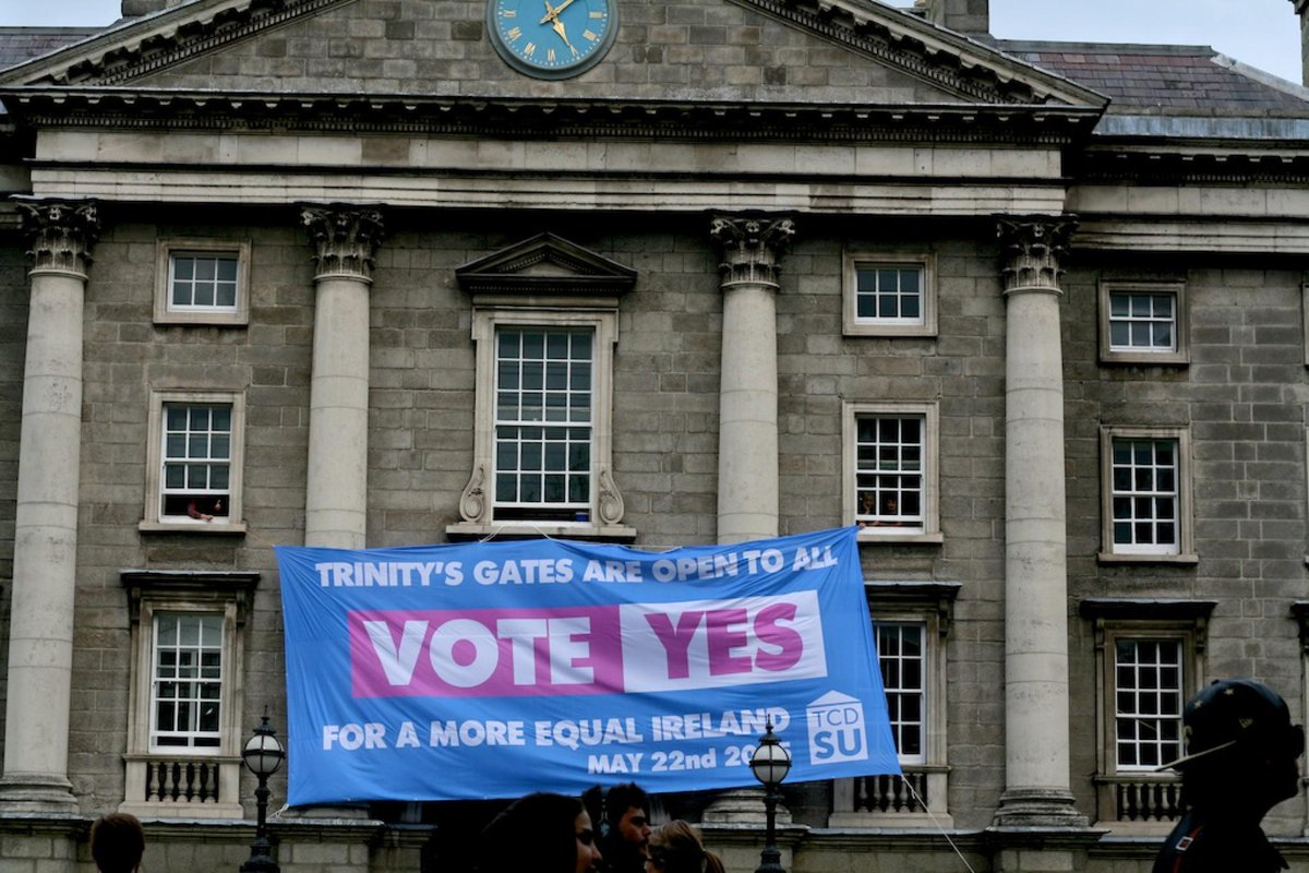TCDSU hang Marriage Equality banner on College Green entrance without permission #marref http://t.co/IBCHeJ6vU3 http://t.co/t8ANdIfRB8