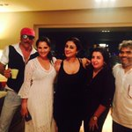 RT @TheFarahKhan: Some of my most favourite people in the world!! Pure n positive people.. http://t.co/OfNonRJ94e