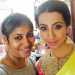 @actressanjjanaa filming for #pothisilks  in #chennai with her stylist Daksha, 1st look http://t.co/ONJcjztHGJ