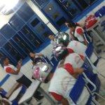 Alunos usam capacetes em sala após ventilador de teto cair em escola de Roraima http://t.co/WSyZaEomJi #G1 http://t.co/27Az33vC9z