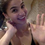 HI GUYS!!!! #AskAnne http://t.co/ssEsgFhy4D
