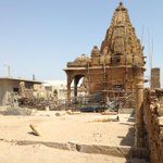 Hindu temple guarding #Karachi from the Minora side http://t.co/yL9wiOVJMG