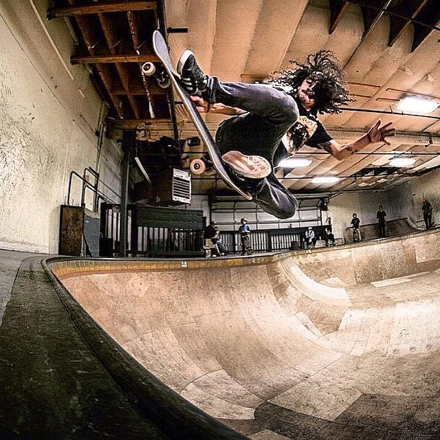 Steven @steven_reeves Style matters… Photo: @justin_shreeve #skateboarding #dakine #dakineskate http://t.co/lXN74WOqj3