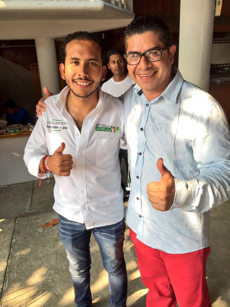 @richastudillo @humbertodiaz22 Dos Grandes Amigos Visitando Tecpan De Galeana #RicardoHumbertoPepeSeñal