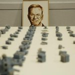 Katsu is a graffiti artist who just finished a poop painting of Google Chairman Eric Schmidt http://t.co/WyHSS3mq2r