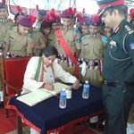 My remarks to governing body of the Sainik School Kazhakuttam: http://t.co/Pxc1NKdpSz … & signing visitor's book