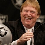The Oakland Raiders might relocate to...Texas? (via @RapSheet): http://t.co/L0WSxYCuL0 http://t.co/czTijwtfn3
