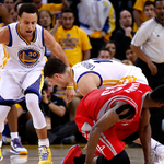 """""""@warriors: The final seconds. http://t.co/TuI8DunuV9"""" fave shots of their last game. splash brothers ✊"""