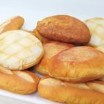 【おいしそ~】焼きたてパンみたいなポーチが登場! 完成度の高い仕上がり http://t.co/ay0y61m6kx メロンパン、あんパン、カレーパン、フランスパンの4種類。「ヴィレッジヴァンガード」の公式サイトから購入できます。 http://t.co/LQt1EbNZZK