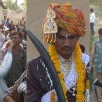 दबंगों के डर से दलित दूल्हे की शादी में 'बाराती' बने कलेक्टर और एसपी http://t.co/MOn2eEMheR via @News18Hindi
