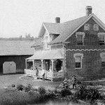 Cette maison patrimoniale(1878) Chelsea a été complètement détruite par les flammes cette nuit #iciottgat #gatineau http://t.co/co8Cl8rfsU