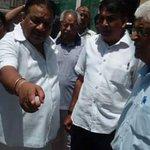 विधायक महेंद्र गोयल ने अधिकारीयों को समस्याओं से अवगत कराकर, एक हफ्ते में काम पूरा करने का निर्देश दिया http://t.co/4zhFwPAkWH