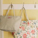 """25% off Leather Totes @Cath_Kidston in #Newcastle! Pop in store to """"bag"""" yourself a bargain *ahem* http://t.co/fPQQgKden9"""