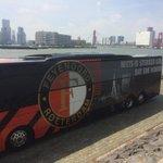 @rottergram010 @gersrotterdam @010byday De mooiste bus van Nederland aan de Skyline van #Rotterdam #Feyenoord http://t.co/PCzIGDZDQz