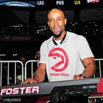 How to play the organ with swag, with Sir Foster, @ATLHawks music man http://t.co/I6j8XkTZOq http://t.co/2W45GOGB2I