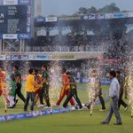 Pakistan had a memorable return home, winning the 1st T20I in Lahore against Zimbabwe by 5 wickets #PakvZim http://t.co/D25LwcM7Pv